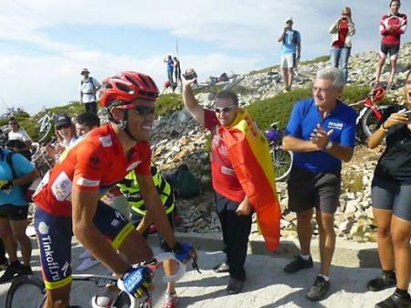 Contador durante la ascensión a la Bola del Mundo