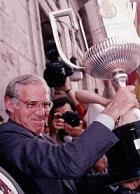 Luis Aragonés con la Copa del Rey de 1992