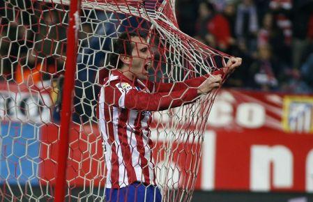 Diego Godín celebra el único gol del partido