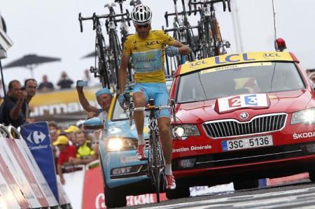 Nibali gana su cuarta etapa