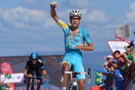 Fabio Aru gana su segunda etapa