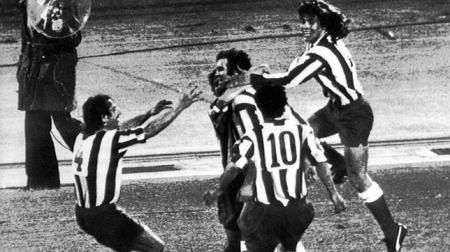 Luis Aragonés marcó el gol que pudo valer una Copa de Europa