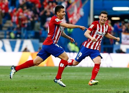 Correa salva los tres puntos contra el Málaga
