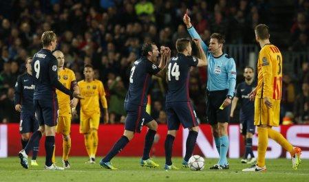 Torres, expulsado por doble amarilla
