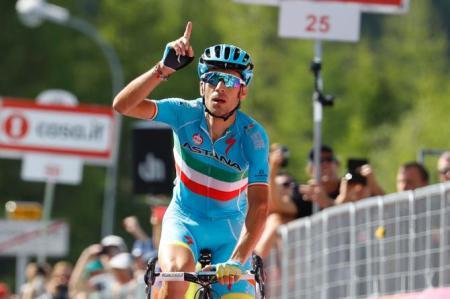 Fantástica victoria de Nibali en Risoul
