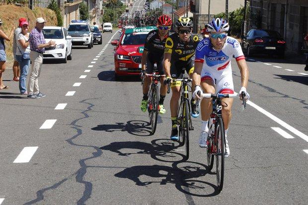 Primera escapada de la Vuelta 16