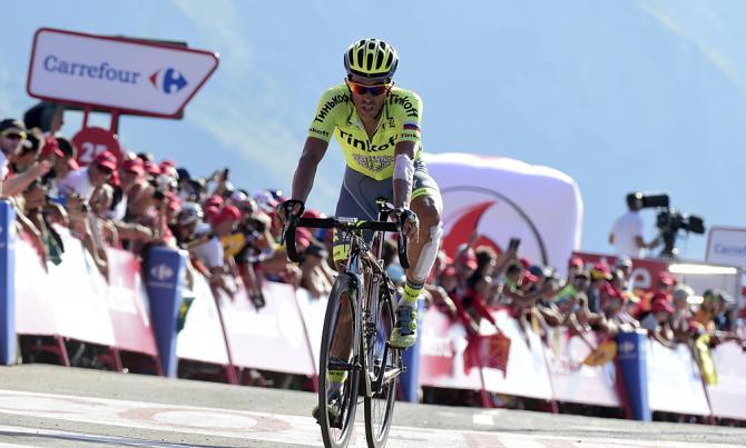 Contador sigue dando espectáculo
